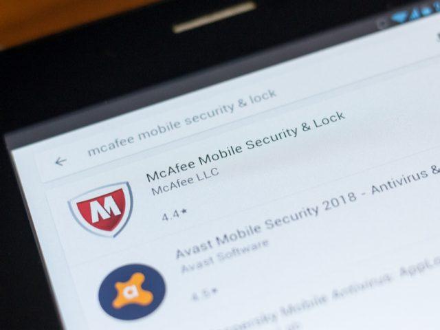 Expert review of McAfee LiveSafe